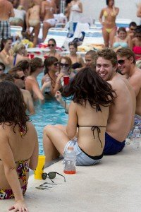 Chicago Apartments, Summer Events, 1111 N Dearborn, Pool Party