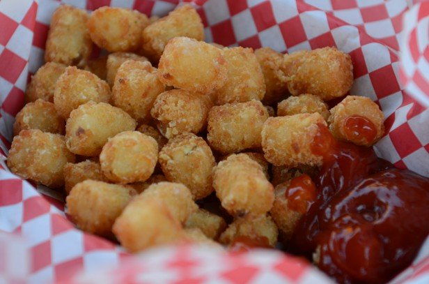 Chicago Apartments, Oak Street Beach Food and Drink, Loaded Tots