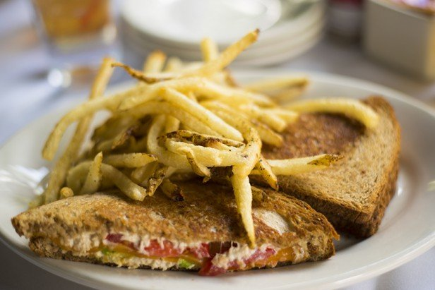 Chicago Apartments, Gibson's Bar and Steakhouse, Tuna Melt
