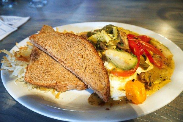 Chicago Apartments, Palette Restaurant, Veggie Omelet