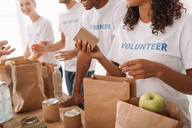 Chicago Apartments, Volunteer Opportunities