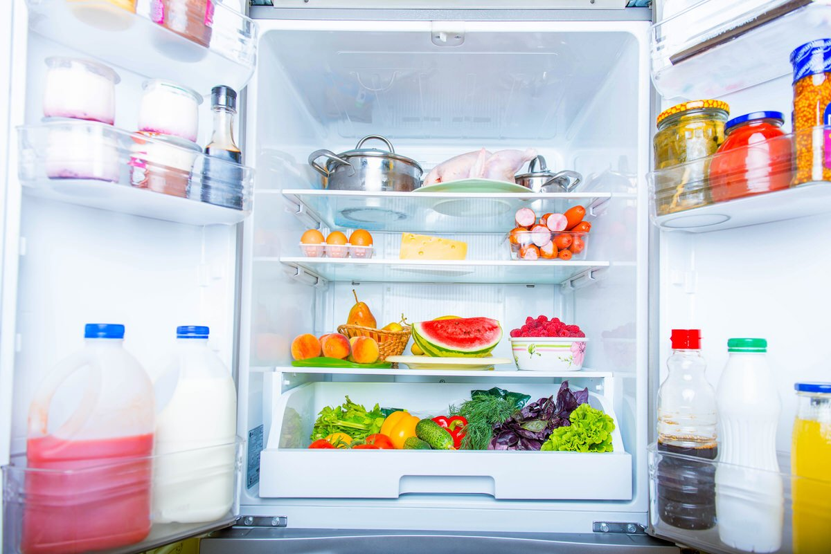 Chicago Apartments, Fridge Cleaning Tips