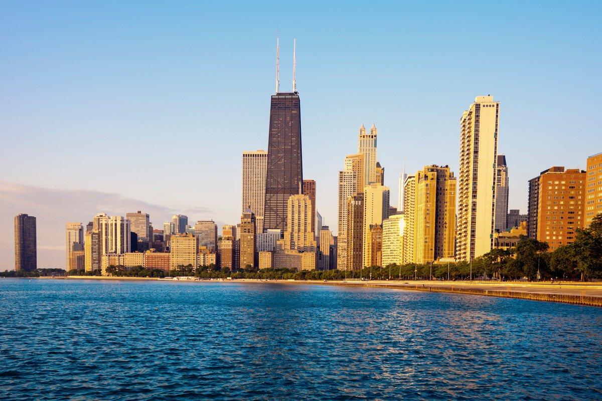 Chicago Apartments, Gold Coast Skyline