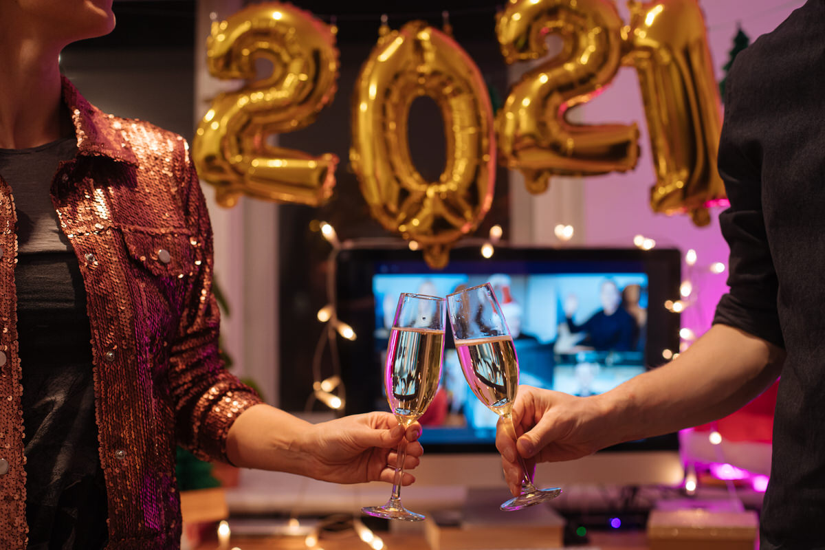 spend new year's eve at home